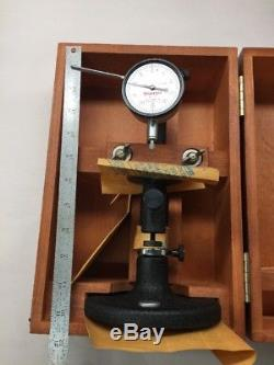 NEW Starrett Dial Bench Gage 652 With Case, Dial Indicator