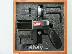STARRETT MOD #1175 (Very Nice). 375 to 6.000 DIAL INDICATOR GROOVE GAGE withCASE