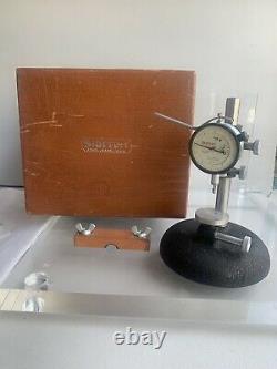 Starrett dial indicator. 0001 25-611 200 Range