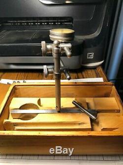 Vintage Starrett Dial Indicator #196, With Original Wood Case (552)